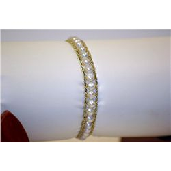 Lady's Very Fancy 14 kt Yellow Gold 7  Pearl Bracelet