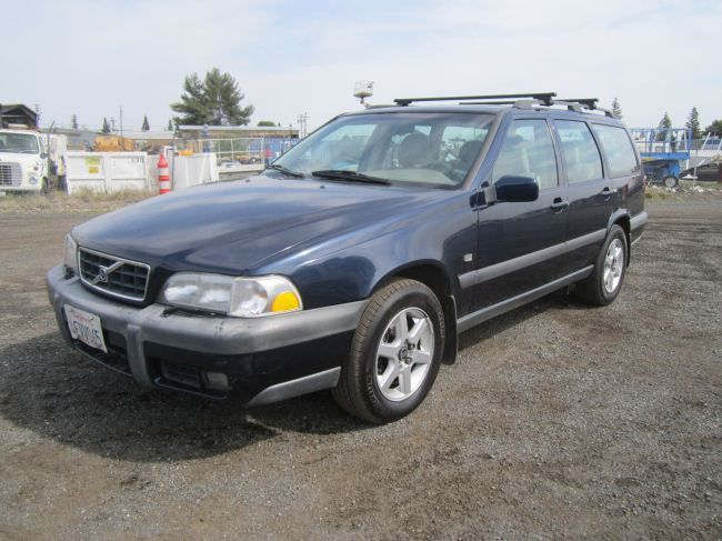 1999 volvo v70 xc cross country awd wagon. Black Bedroom Furniture Sets. Home Design Ideas