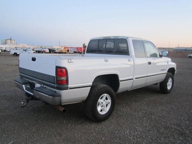 1997 dodge ram 1500 extended cab 4x4 pickup truck. Black Bedroom Furniture Sets. Home Design Ideas