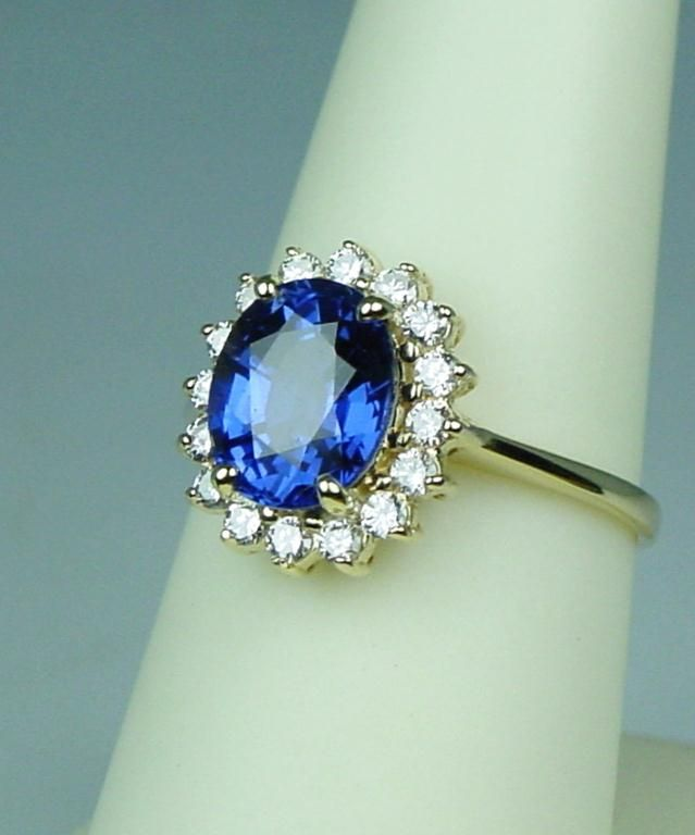 gorgeous 18k yg quot princess diana quot style ring
