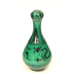 Fine green glazed garlic head vase