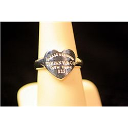 Lady's Beautiful Sterling Silver  Love Heart  Design Tiffany Ring
