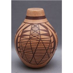 HOPI POTTERY VASE   (FREE SHIPPING THIS AUCTION ONLY!!!)