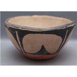 SANTO DOMINGO POTTERY BOWL   (FREE SHIPPING THIS AUCTION ONLY!!!)