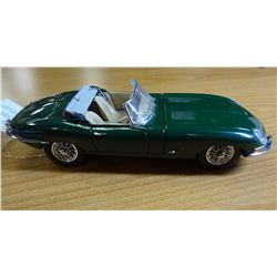 1961 JAGUAR E TYPE CONV. FRANKLIN MINT
