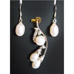 Natural 31.30 ctw Pearl Earrings/ Pendant .925 Sterling