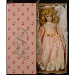 Design Debut Collection 18 In Porcelain Doll Blonde MIB