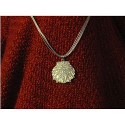 Crystal Clam Silver Colored Pendant