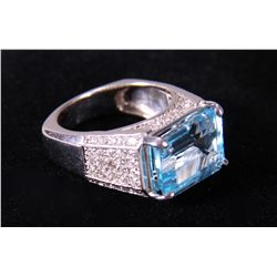 14k White Gold Topaz Ring.  Stamped in shank.  Whi etc.