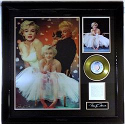 Marilyn Monroe Large  Hologram