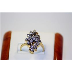 Lady's Fancy 14 kt Yellow Gold Diamond Ring