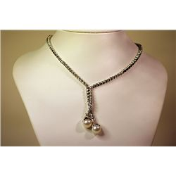 Lady's 14 kt White Gold Pearl/Diamond Necklace