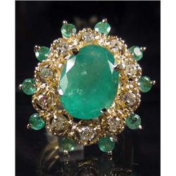 14K GOLD LADIES EMERALD AND DIAMOND RING - SIZE 6.75