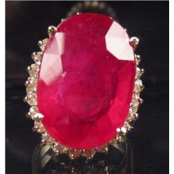 14K GOLD RUBY AND DIAMOND RING - SIZE 6.75