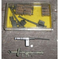Misc 13 Piece Military Accessories including Machine Guns/Crates 1/32 Scale!!