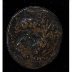 Chalkis (85-40 BC) - AE- 22  Coele Syria Obv: Laur. hd. of Zeus r. counter stamp of Cleopatra VII.