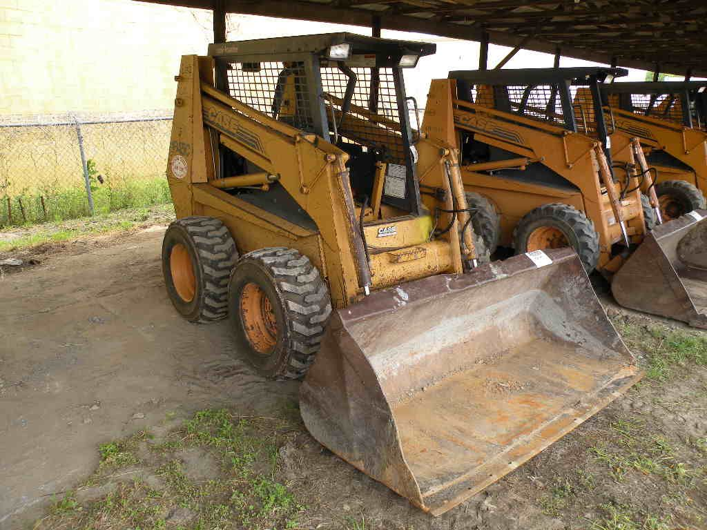 case study skid steer loader (5 cu m) bucket capacity, the liugong 385b skid steer loader has a mechanical  quick coupler compatible with a wide range of attachments that.