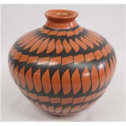 Mata Ortiz Black on Red Pottery Jar - Lucie Soto