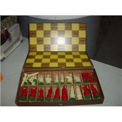 VINTAGE KINGSWAY FLORENTINE CHESS SET