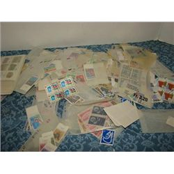 LOT 200+ FOREIGN POSTAGE STAMPS UNITED NATIONS