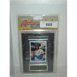 ERNIE BANKS AUTOGRAPH BASEBALL CARD ON DISPLAY