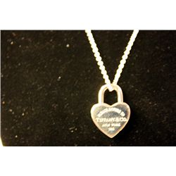 FINE RETURN TO TIFFANY HEART LOCKET TIFFANY & CO NECKLACE