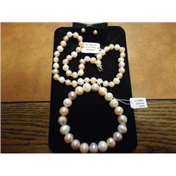 FRESHWATER PEARL NECKLACE AND BRACELET & EARRINGS