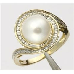 Genuine Pearl & Diamond Swirl Ring