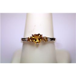 Lady's Beautiful HEART Shape 14 Kt White Gold Citrine Ring