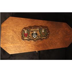 UNBELIEVABLE ENGRAVED & DECORATED HAMMER BY MATTHEW ORANTE - 1982 - SET IN GREAT PAINTED WOODEN BOX