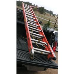 28' Fiberglass Extension Ladder .