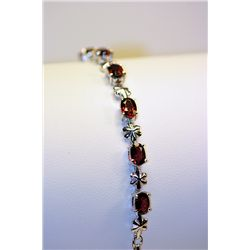 Lady's Beautiful Silver Rose Garnet Bracelet