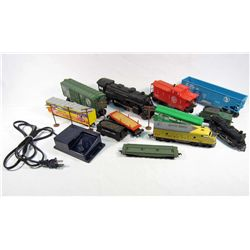 LOT OF VINTAGE TRAIN CARS