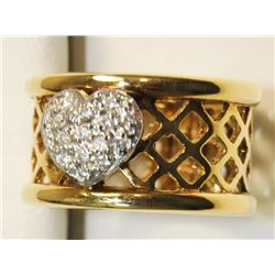 14kt yellow gold heart shaped encrusted band