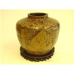 Ancient Chinese style pottery vase