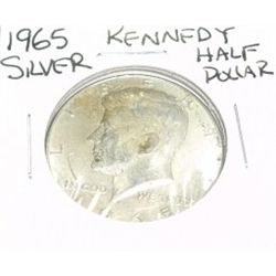 1965 KENNEDY SILVER HALF DOLLAR *PLEASE LOOK AT PICTURE TO DETERMINE GRADE* Bag Marks!!