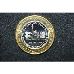 "2005 New York New York Hotel & Casino Las Vegas NV ""8th Anniversary"" Limited Edition Two-Tone $10 Ga"