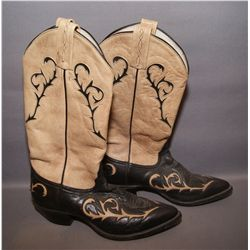 PAIR OF WOMEN'S COWBOY BOOTS