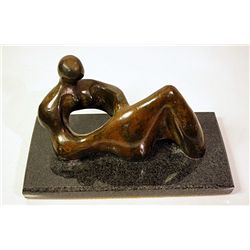 Henry Moore  Original, limited Edition  Bronze - Recumbant Figure