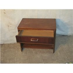 1 DRAWER NIGHT STAND, DOVETAILED DRAWERS