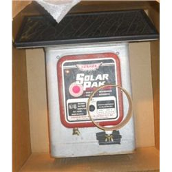 Deluxe Field Solar-pak Electric Fencer In The Box
