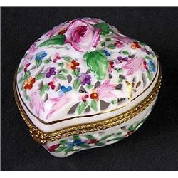 Limoges  Porcelain Heart Box  .