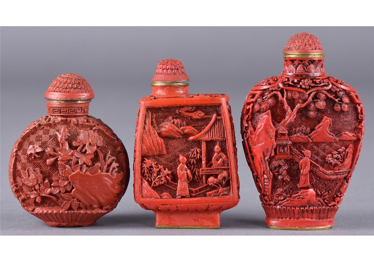 Set 3 Chinese Cinnabar Lacquer Snuff Bottles