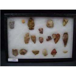 CASE OF 18 SMALL ARROW HEADS