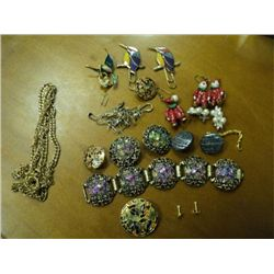 BAG OF COSTUME JEWELRY