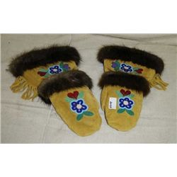 Ladies Mittens, Beaded, Fur Trim
