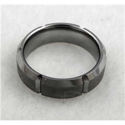 TUNGSTEN MANS RING W/ BRUSHED EDGE