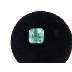 2.26 Carat Bright Glowing Green Emerald Gemstone