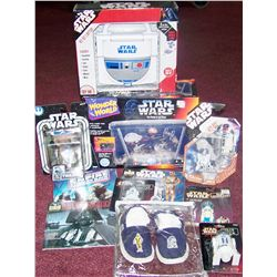 STAR WARS (11) PIECE ASSORTED TOY COLLECTIBLE LOT, MANY WITH UNOPENED PACKAGES