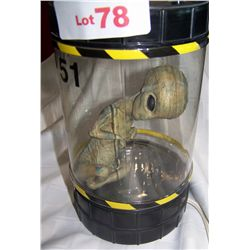 AREA 51 SPACE ALIEN LAMP (MALE ALIEN)
